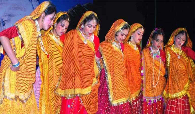 उत्तराखंड की वेशभूषा और आभूषण - Traditional Dress and Ornaments of Uttarakhand